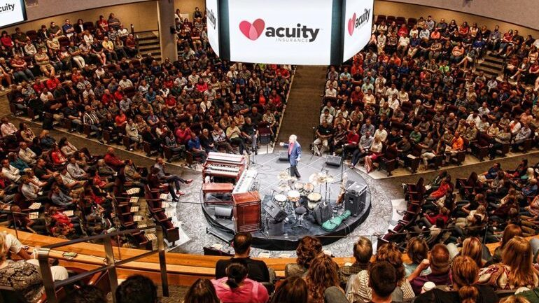 Acuity's 2,000-person theater-in-the-round.