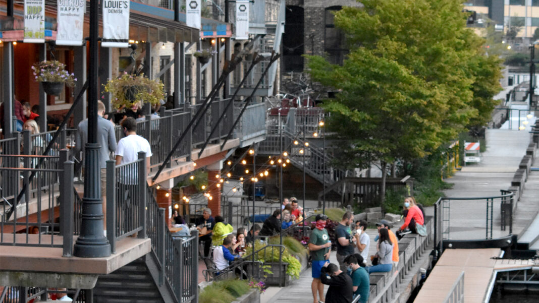 Outdoor dining along the Milwaukee RiverWalk.
